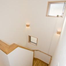 神戸市灘区2世帯新築一戸建て注文住宅自然健康耐震住まいマイホーム見学会天井扇と排熱用の窓