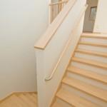 神戸市灘区2世帯新築一戸建て注文住宅自然健康耐震住まいマイホーム見学会階段