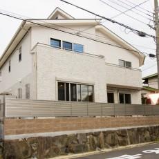 神戸市須磨区2世帯新築一戸建て注文住宅自然健康耐震住まいマイホーム見学会白を基調に2色を配色した外観